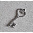 Clé en métal argenté,  47x20mm