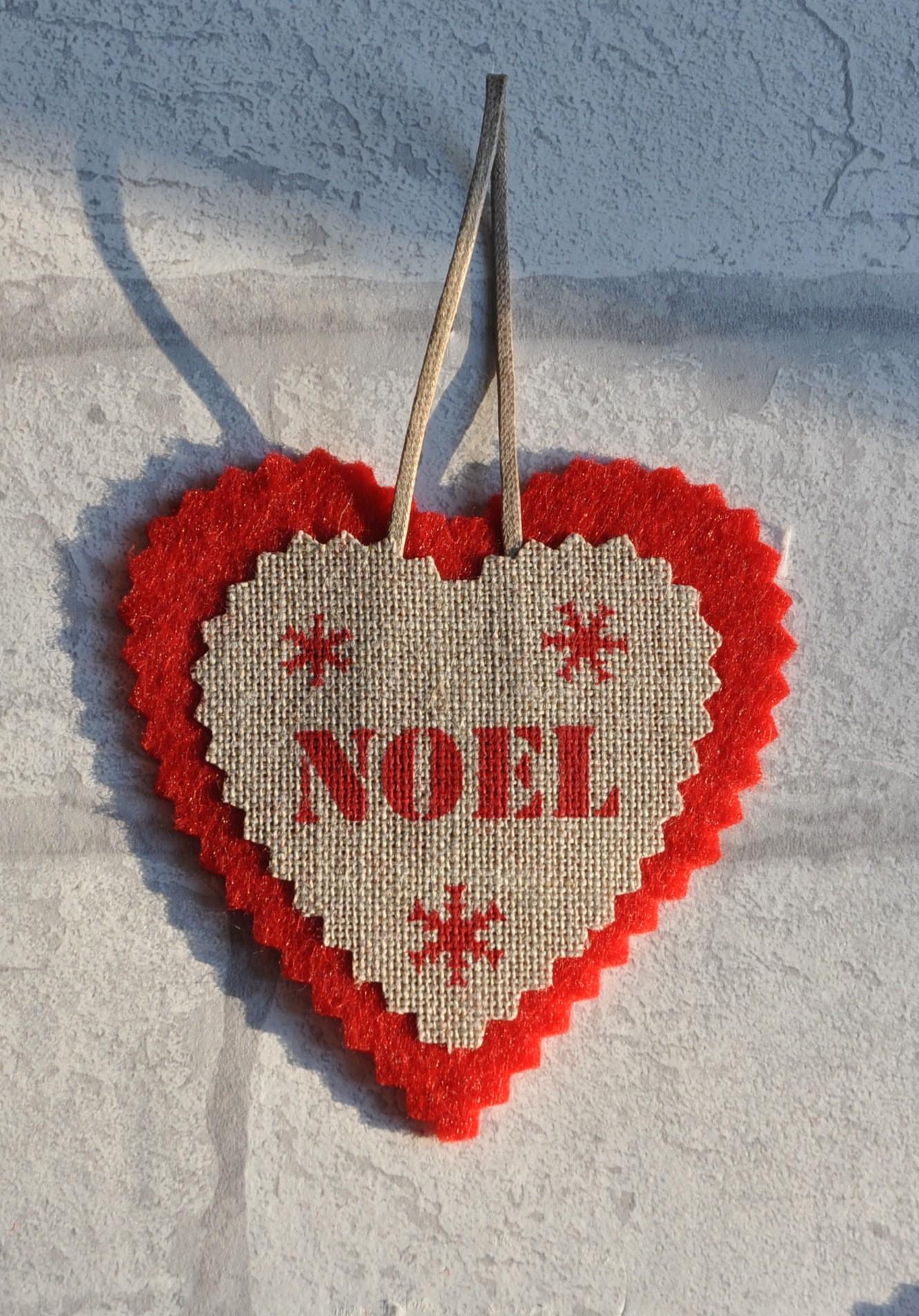 #B22019 Coeur De Noël En Feutrine Et Lin Naturel NOEL Déco De  5797 modele deco de noel a faire soi meme 1330x1904 px @ aertt.com
