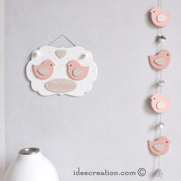 cadre pr nom d co oiseaux roses et guirlande pour chambre de b b id ecr ation. Black Bedroom Furniture Sets. Home Design Ideas