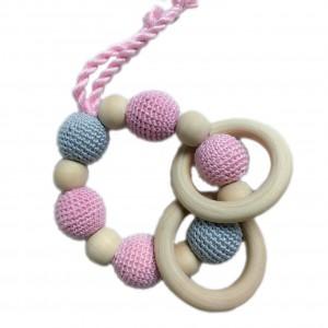 Hochet, anneau de dentition en bois et coton, modèle rose et gris
