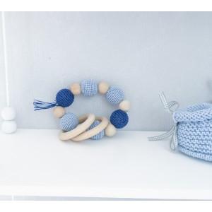 Hochet, anneau de dentition en bois et coton, modèle bleu ciel et bleu marine