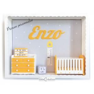 Cadre prénom bebe, Cadre naissance, Vitrine miniature personnalisée au prénom de l'enfant, modèle jaune, blanc et gris