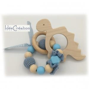 Hochet, anneau de dentition en bois et coton, modèle bleu ciel et blanc